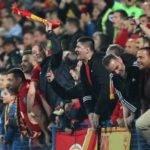 """UEFA'dan Karadağ'a Disiplin Soruşturması: """"Irkçı Tezahüratlar"""""""