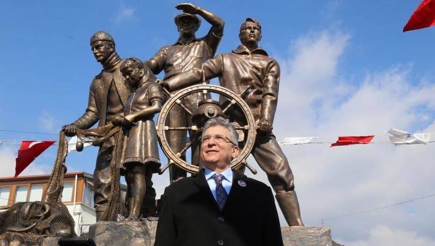 Ufka Bakan Atatürk Heykeli Selman Hasan Arslan